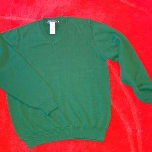 NWT Hunter Green Sweater Pullover V neck